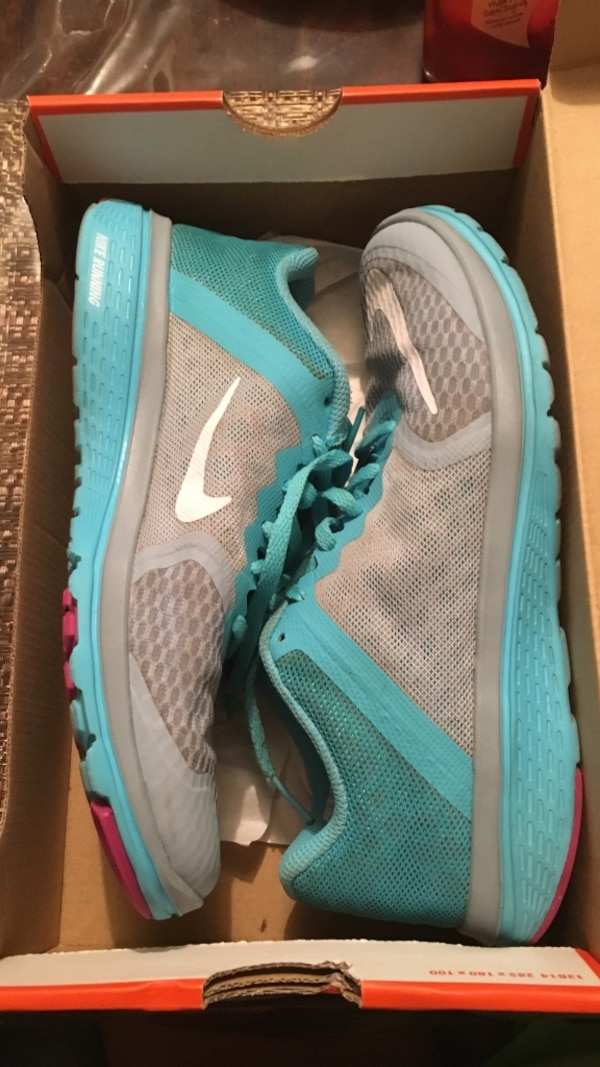19a8c83ef0bd9c Used pair of gray-and-teal Nike sneakers for sale in Rockwall - letgo
