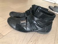 Browns size 11 men's boots Burnaby, V5H 0E9