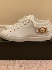 Brand new Versace sneakers size 39 Mc Lean, 22102