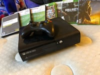 Xbox whit 7 games & 2 controller  Frederick, 21703