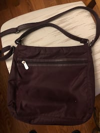 THIRTY -ONE SHOULDER BAG North Dumfries, N0B