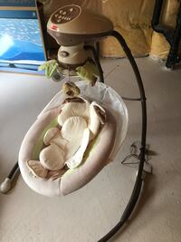 white and brown Fisher-Price cradle n swing Richmond Hill, L4E 4W8