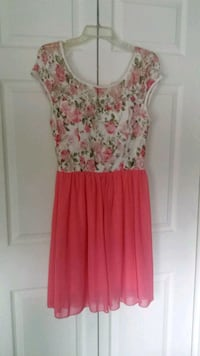 women's pink and white floral sleeveless dress Anchorage, 99517