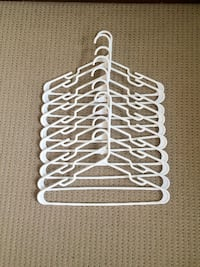 WHITE CLOTHES HANGERS 20 pc Calgary