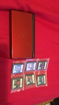 Nintendo ds and 6 game cartridges