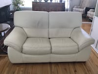 White leather loveseat Laval, H7K 3N5