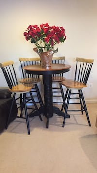 Round brown wooden table with four chairs dining set Bristow, 20136