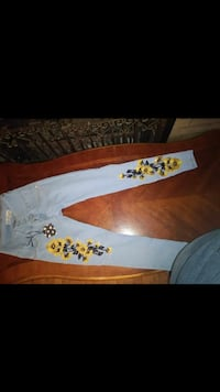 white and yellow floral print textile Bellevue, 68147