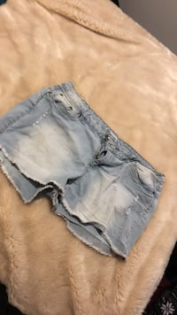 Shorts size 13 London, N6C 5W9