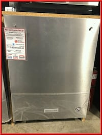 """Maytag 24"""" Dishwasher. Stainless steel-sold as is Farmingdale, 11735"""