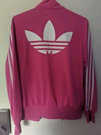 6 different Adidas jackets London, N5V 4N5