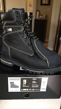 Pair of black kodiak work boots. Have so many and just don't need  Brampton, L6X 2P3