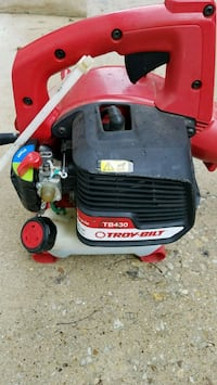 Troy built leaf blower Laurel