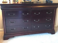 Brown wooden 6-drawer lowboy dresser Lorton, 22079
