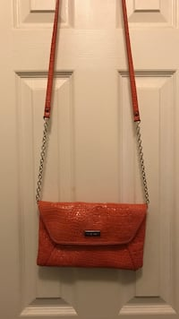 Nine West Crossbody Bag- Coral and Silver Mississauga, L5N 8A5