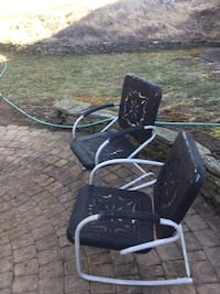 Old patio chairs Bluemont, 20135