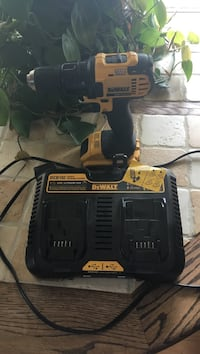 Twin charger pack cordless dewalt drill hardly used Georgetown, 19947