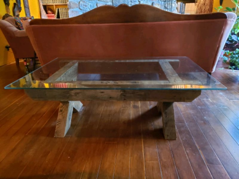 Reclaimed lumber and glass coffee table 393db7b7-bd5d-4c0f-99aa-aeca9d6492cd