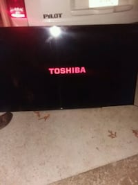 65 in smart LCD tv, like new. Come look at it in person. Not a scratch