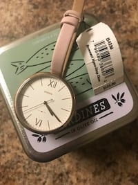 Pink leather Fossil Watch// Montre en cuir rose Fossil Montreal, H2P 2B1