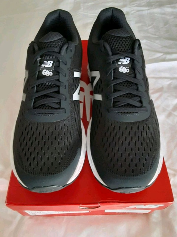 New Balance M680v.6 men's size 10.5 D. Brand new in box. 2c836e8e-fd02-4561-a854-8e40c7f3bf5a
