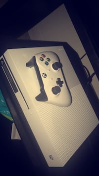 Xbox one s 1tb//// trade or cash!!
