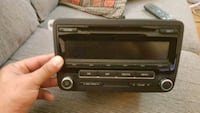 Volkswagen jetta mk6 ome stereo system  Mississauga, L5C 2T3