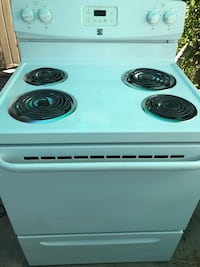 Nice and clean very clean electric stove standard size