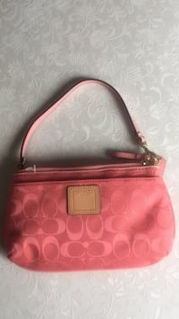 Coach small canvas handbag two compartments inside pink colour linen zipper works perfectly clean comfortable condition for young lady never used it almost brand never used it Chilliwack, V2P 1G5