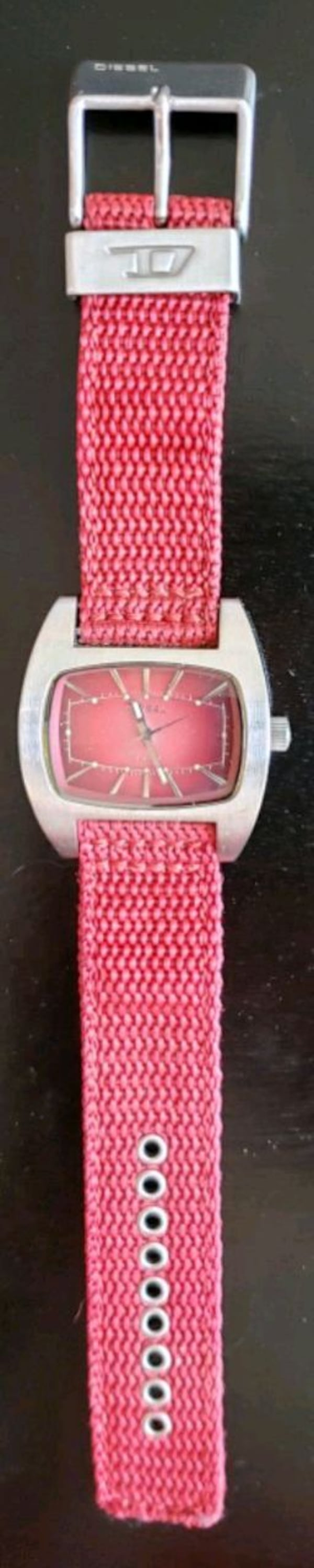 Diesel Watch DZ-2052 solid stainless steel Red Can 169b132a-2ebf-4723-8488-b7e57f474273