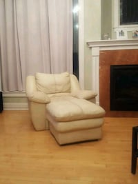 Leather chair and otomen  Reynoldsburg, 43068