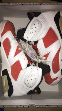 Pair of white-and-orange air jordan 6/size12/condition 8.5/10  Châteauguay, J6K 2T3