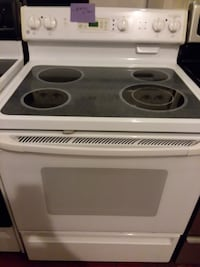 Ge stove excellent condition  Halethorpe, 21227