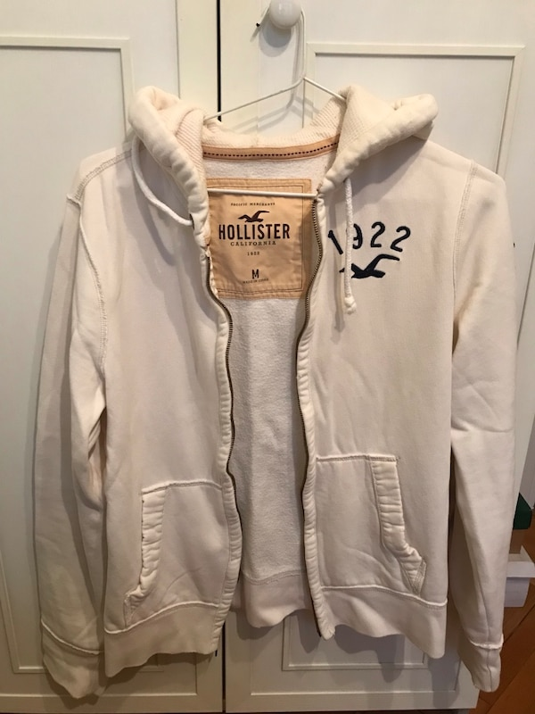 Hollister zip-up hoodie d290302f-6016-432b-a19c-230635501de9