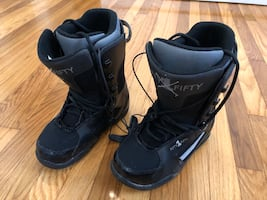 5150 Snowboard boots - men's size 6