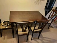 5-piece Dining table set with PVC cover Seattle, 98105