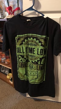 All Time low shirt medium Pearl, 39208