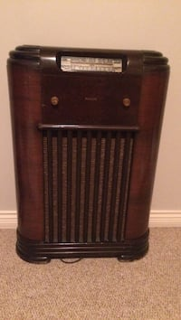 Antique Philco radio Kelowna, V1P 1P2