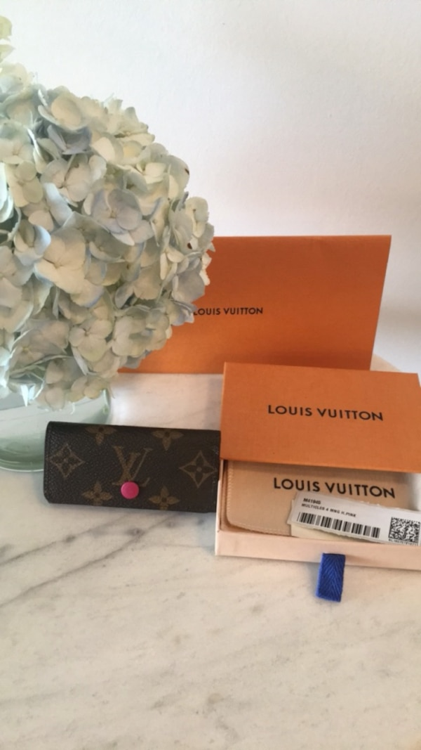 Louis vuitton 4 key holder (discontinued colour!)