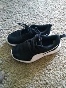 Kid shoes size 13