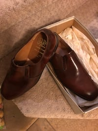 Pair of brown leather loafers with box men's size 8 545 km