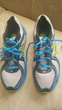 pair of gray-and-blue New Balance running shoes Colton, 92324