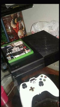 Xbox One console with controller and game case North Las Vegas, 89031