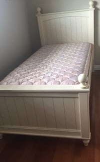 Twins bed for sale