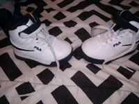 pair of white filz boy  shoes Size 6 like new Eaton, 45320