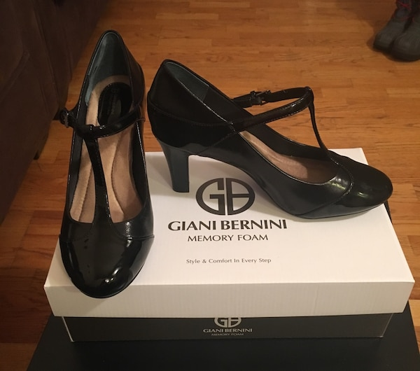 Giani Bernini Leather Memory Foam Pumps