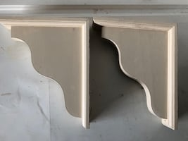 Decorative wood shelf brackets