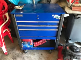 35 inch 4 drawer barely used roll cart