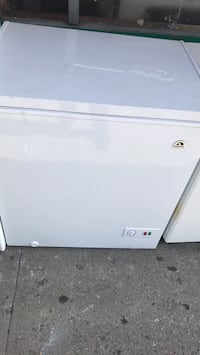 white front-load clothes dryer Nueva York, 10457