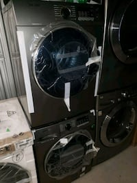 SAMSUNG APARTMENT SIZE WASHER AND DRYER  Toronto, M9W 6Z7